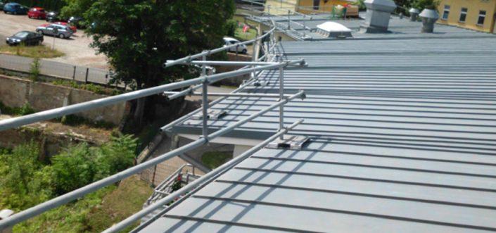 Sifatec GmbH & Co. KG - Ihr Spezialist für Flachdach-Absturzsicherungen