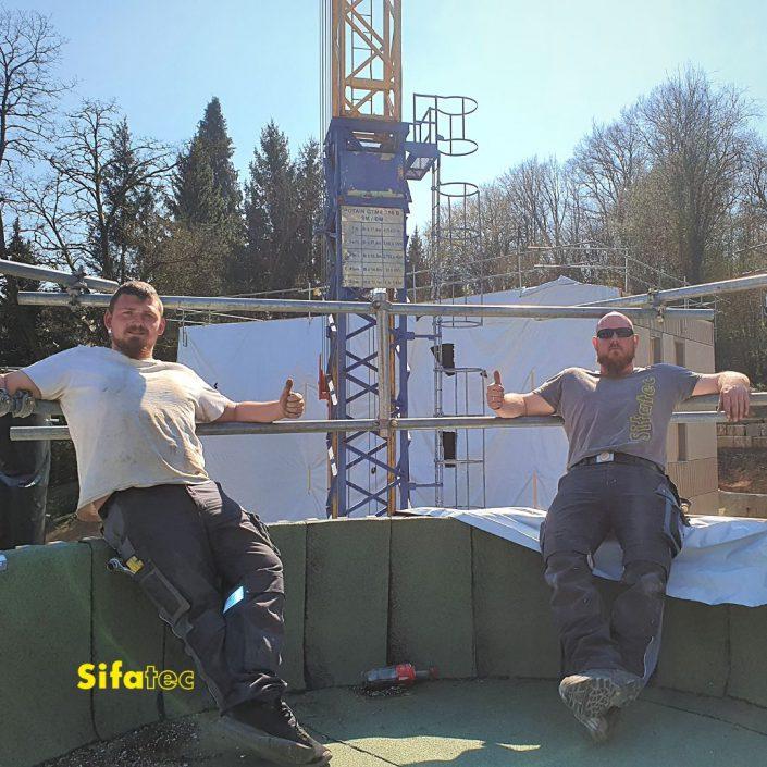 Sifatec - Monteure Daumen hoch